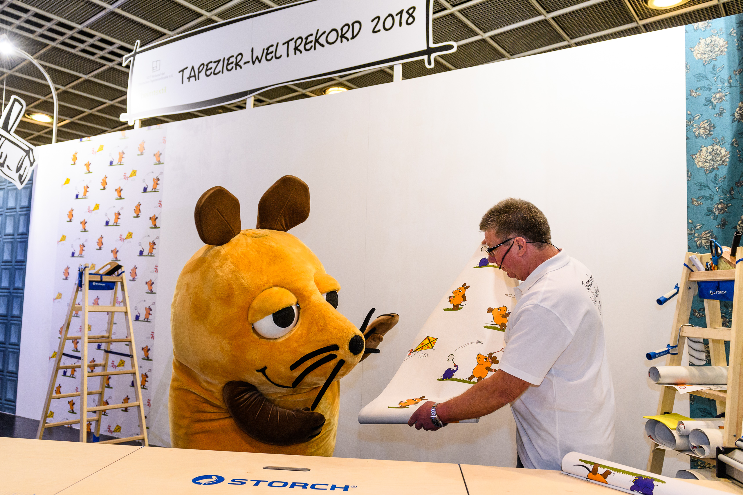 heimtextil-paperhanging-world record - the mouse