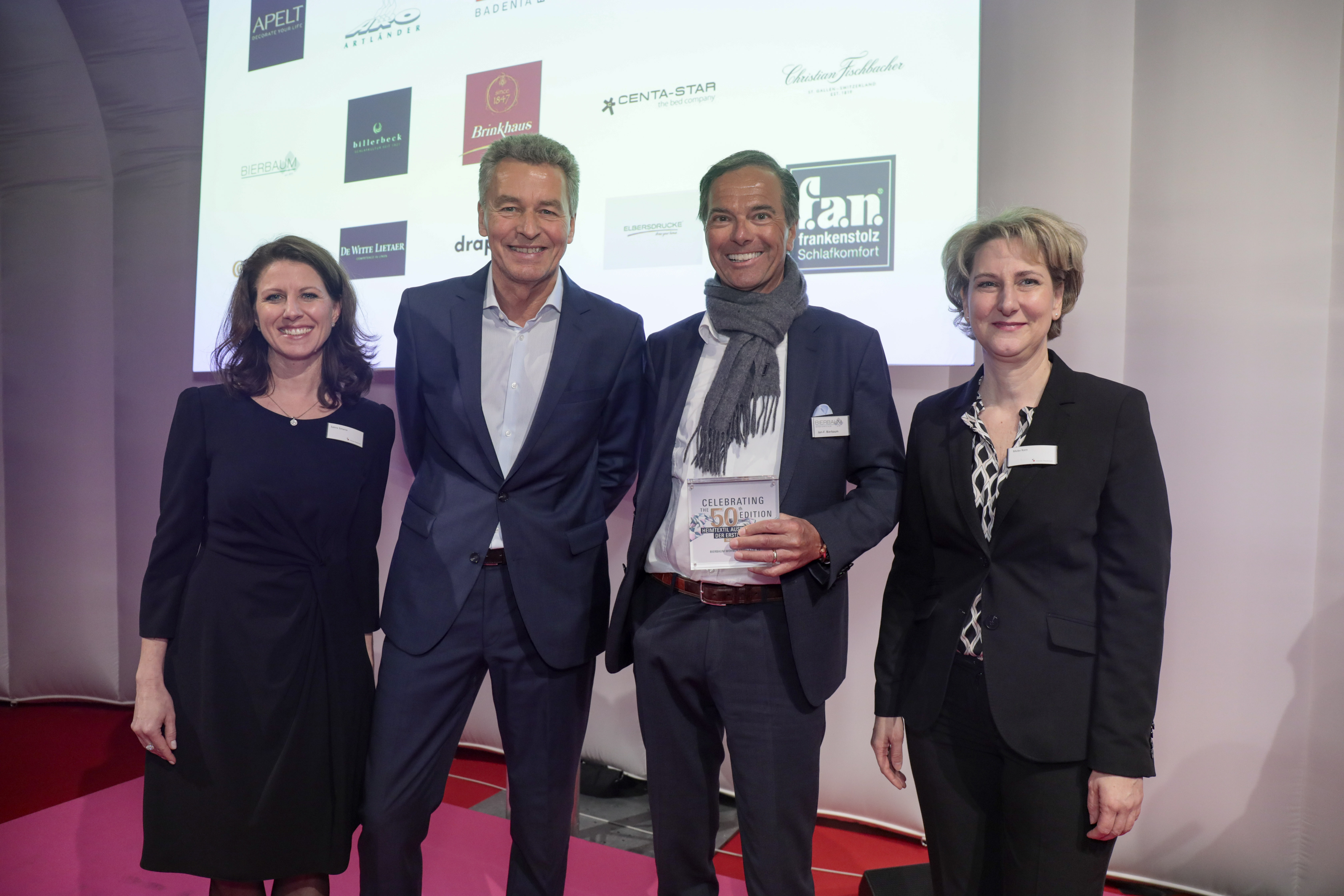 Awards ceremony for exhibitors from the very beginning / HERMANN BIEDERLACK GmbH + Co. KG