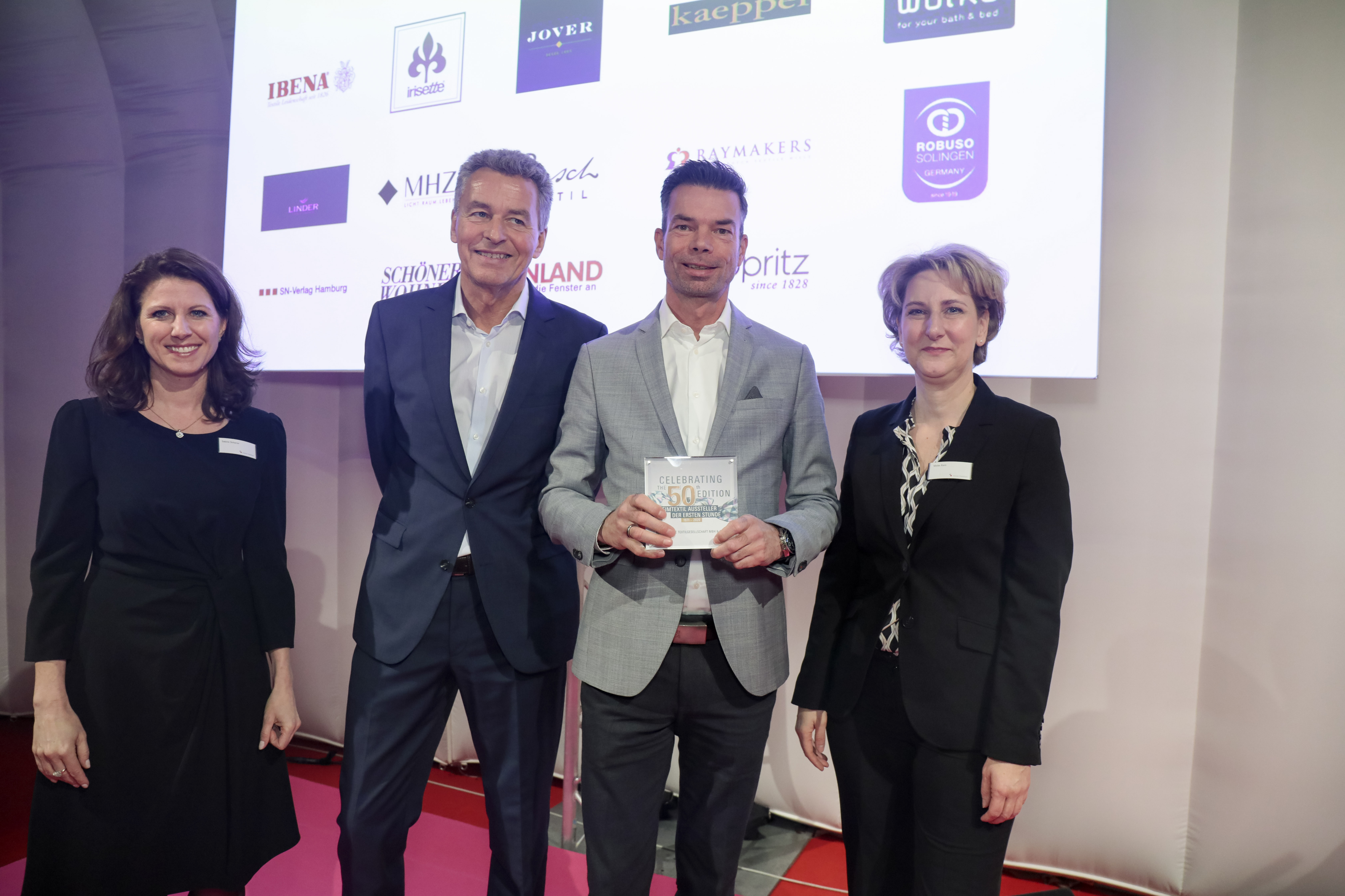 Awards ceremony for exhibitors from the very beginning / Kleine Wolke Textilgesellschaft mbH & Co. KG